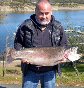 New Lake Record 19.96 Lb. Rainbow Trout Caught
